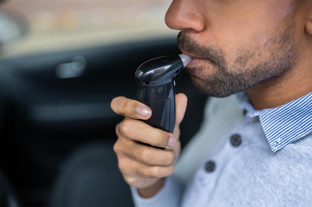 Alkoholtester im Auto