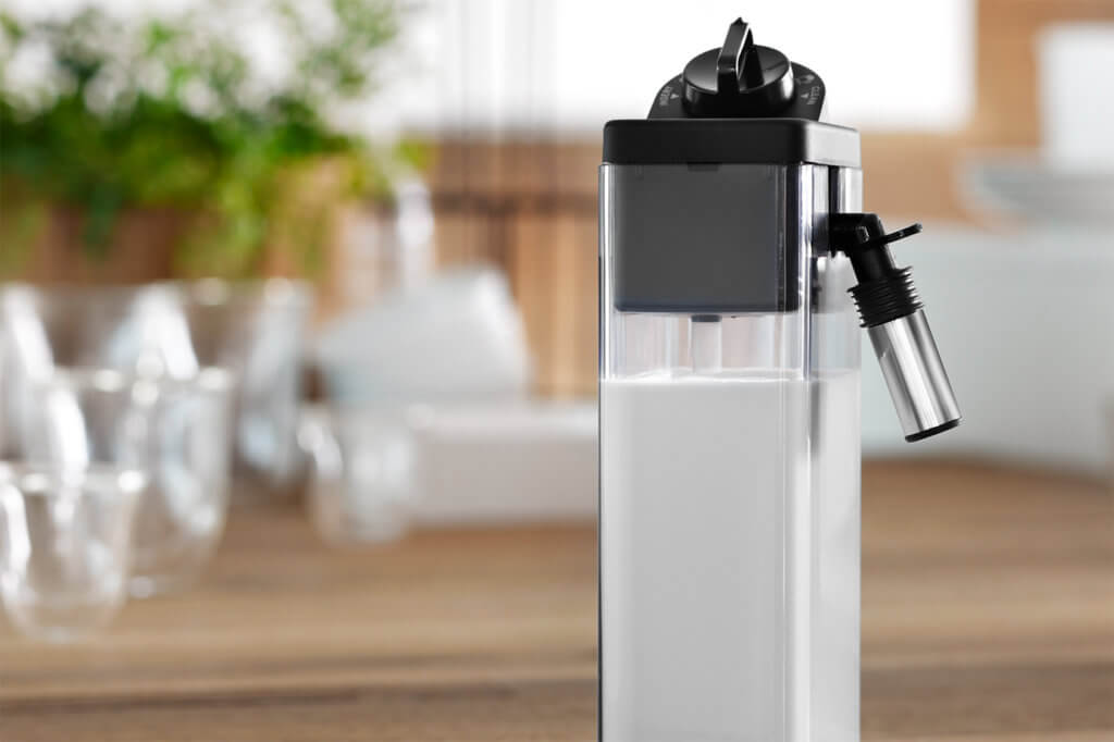 Milchbehaelter eines Kaffeevollautomaten