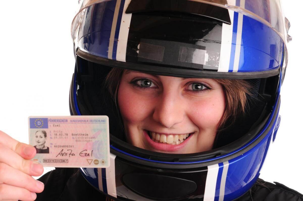E-Bike - Führerschein und Helmpflicht