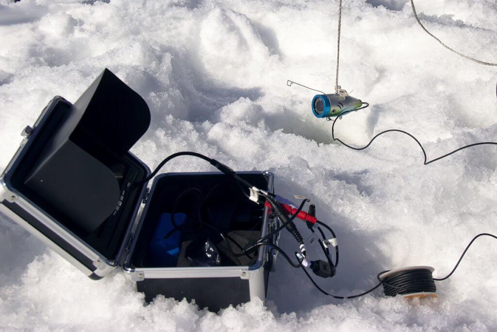 Fischfinder auf Eis