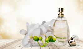 Gesichtcremes im Parfüm