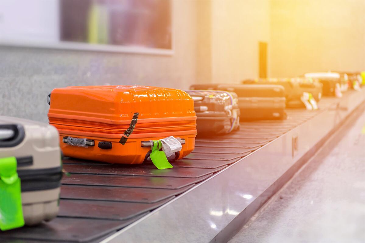 Oranger Koffer