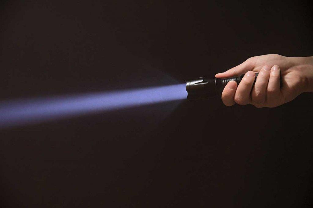 Taschenlampe mit fokussiertem Lichtstrahl