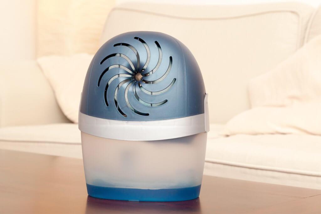 kleiner Luftentfeuchter in Wohnzimmer