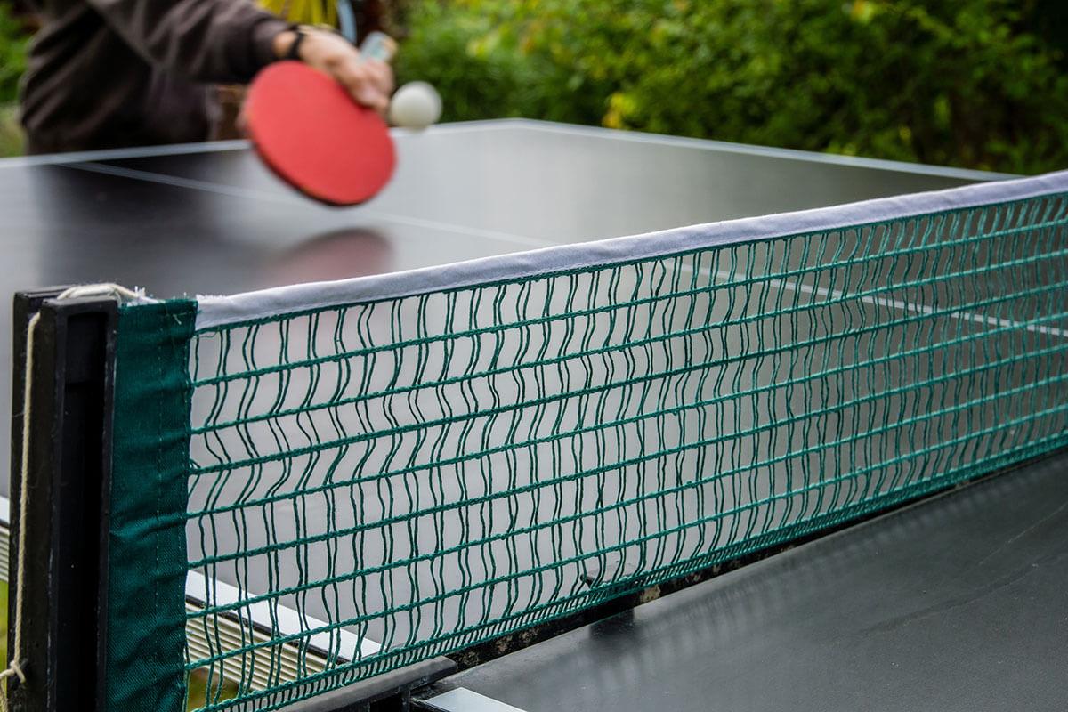 Nahaufnahme von Tischtennisnetz
